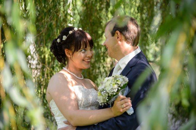 Hochzeitsfoto im Park