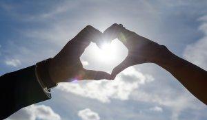 Bremer Sonne Herz Hände
